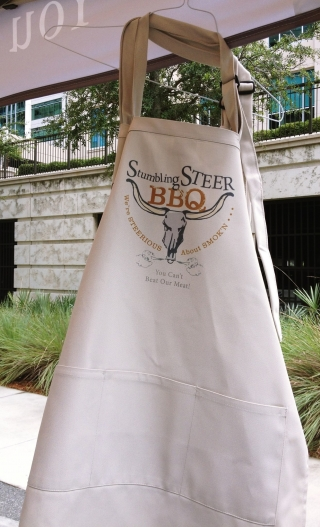 apron with three pockets from stumbling steer bbq